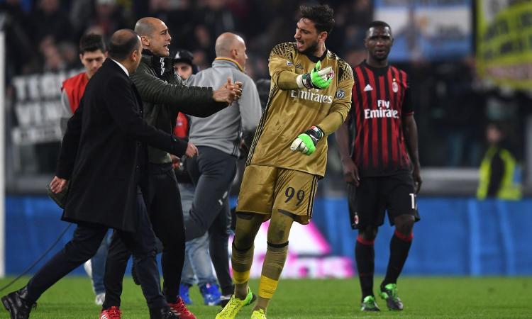Juve, tutti i danni del Milan: sgabelli rotti, trofei rovinati, scritte anti-Juve