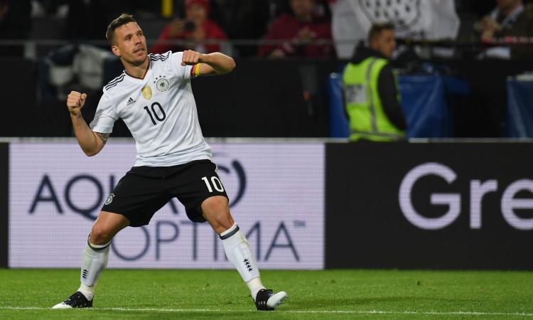 Podolski: 'In Inghilterra giocavano come fosse rugby, ora possono vincere'