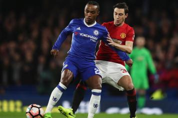 willian, chelsea, darmian, manchester united, 2016/17