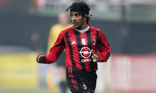 Vikash Dhorasoo: il calcio è un bluff...