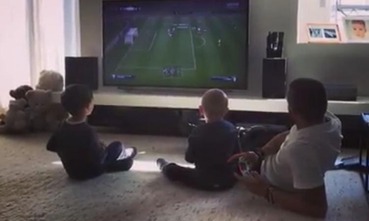 E' già derby in casa Bonucci: sfida alla Play Juve-Torino contro il figlio VIDEO