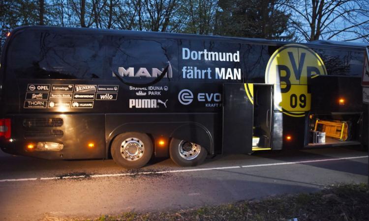 Niente terrorismo: bomba contro il bus del Borussia Dortmund per guadagnare in Borsa! VIDEO