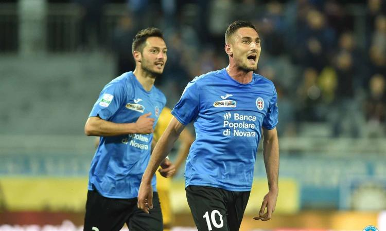 Novara-Frosinone, formazioni ufficiali: c'è Macheda, gioca Dionisi
