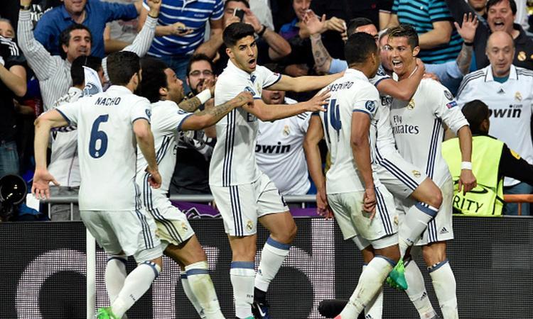 Champions: i bookies vedono una finale tra Juve e Real