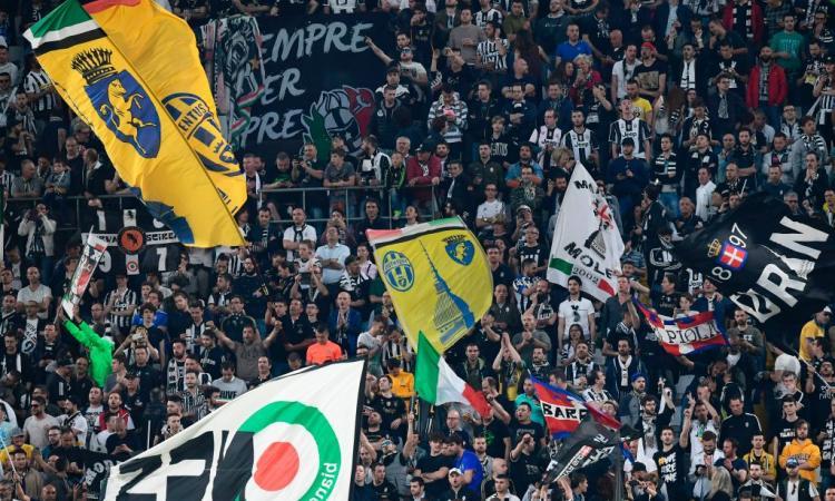 Juve, i tifosi aggrediti ad Atene: 'Agguato con l'aiuto della polizia. Anche i venditori...'