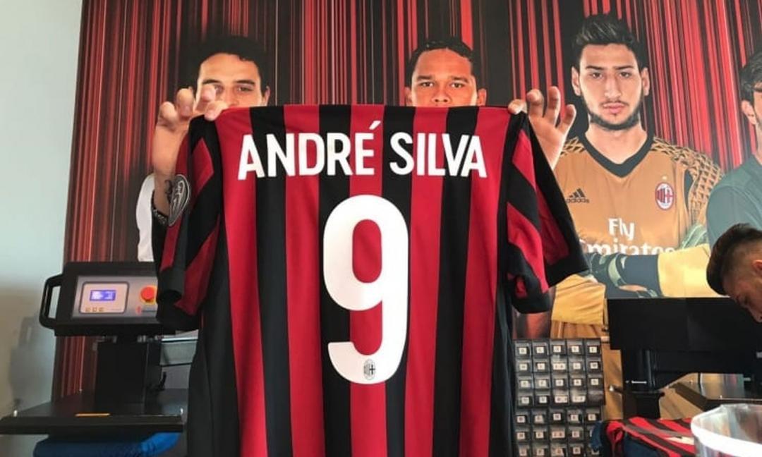 André Silva dubbio lecito?