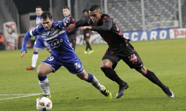 Inter, nuova offerta per Dalbert: altro rilancio, i dettagli e la scelta del Nizza