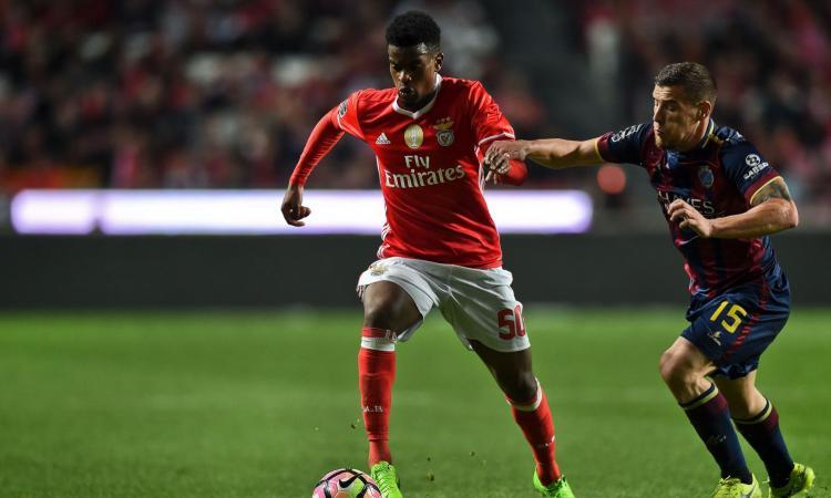 Barcellona, l'ex Vitor Baia: 'Semedo meglio di Dani Alves'