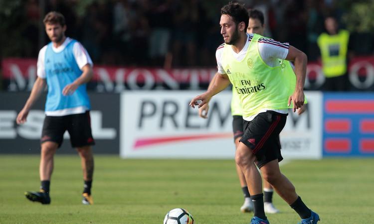 Milan, Calhanoglu: 'Ronaldinho è il mio idolo'