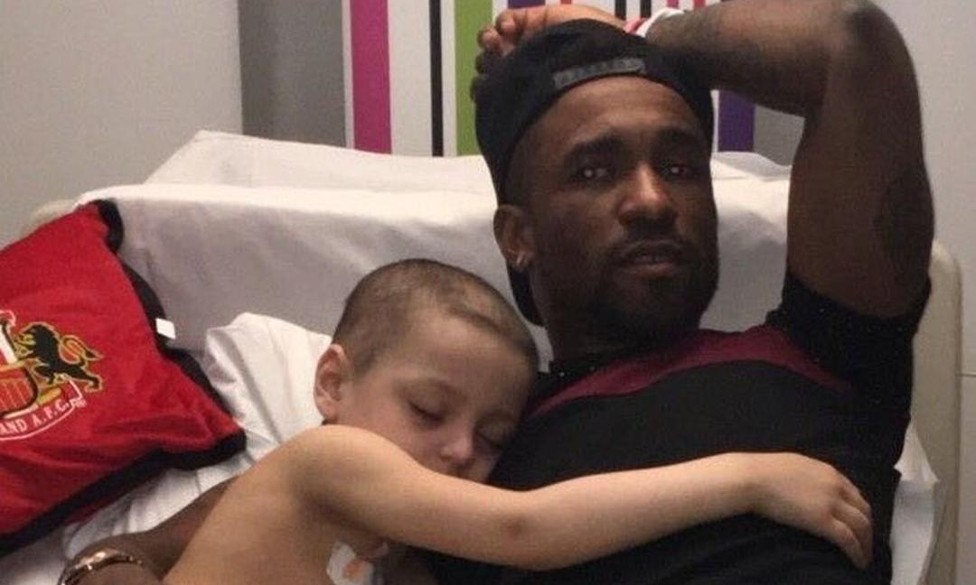 Defoe ed il piccolo Bradley, un'eterna e commovente amicizia