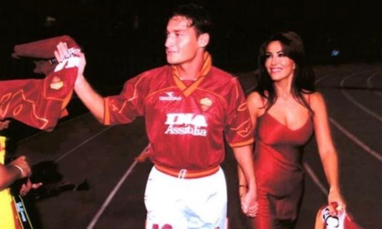 Totti ricorda il suo esordio: 'Sono passati 27 anni. L'amore per la Roma non avrà mai fine' FOTO e VIDEO