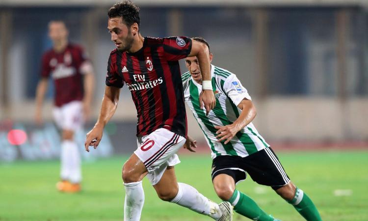 Il Milan lo incorona, Montella lo studia: ora è il momento di Calhanoglu