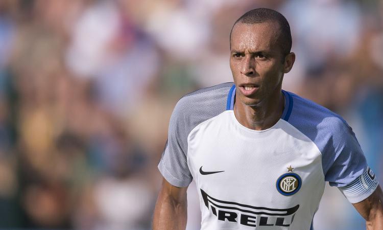 Miranda: 'Voglio vincere con l'Inter, del rinnovo parliamo dopo. Modric...'