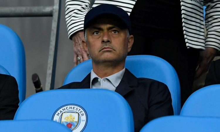 Manchester City-Everton, Mourinho spia Guardiola