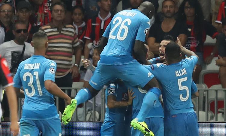 Champions League: Napoli in terza fascia 'per colpa' del Siviglia