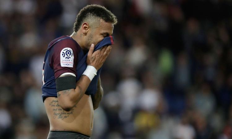Barcellona, UFFICIALE: causa a Neymar, chiesto un maxi risarcimento. Il PSG: 'Regole rispettate' VIDEO