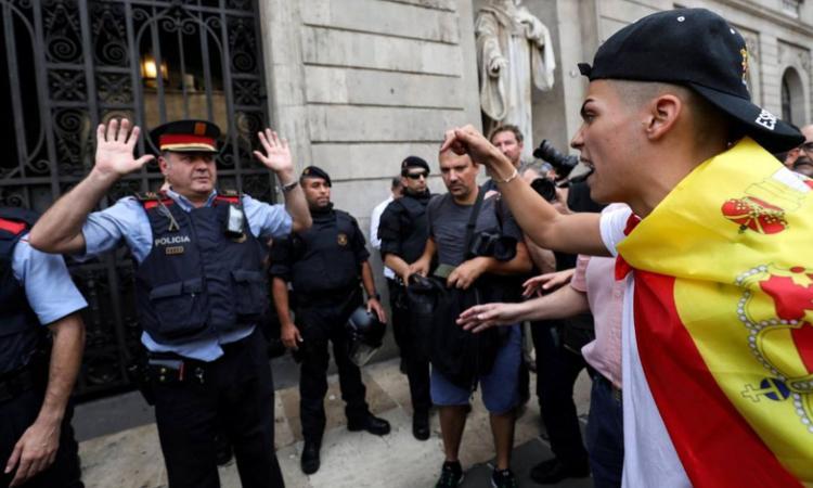 Catalogna, una crisi non solo politica: Barcellona ed Espanyol, che differenza