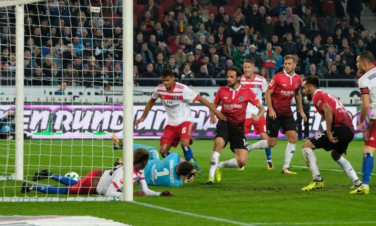Bundesliga: 2-0 all'Amburgo, l'Hannover è primo in solitaria