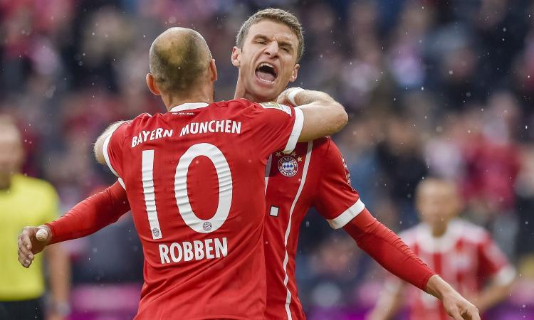 Bundesliga: poker Bayern Monaco, rimonta Schalke, pari RB Lipsia
