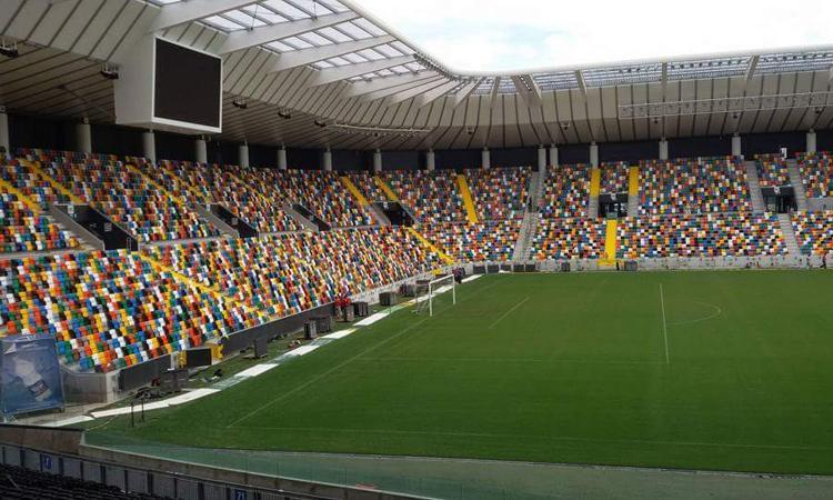 L'Udinese mostra la coppa: poco più di due mesi ad Euro Under21