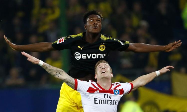 Manchester United: pensa a un difensore del Dortmund