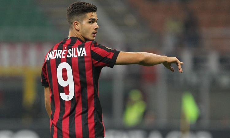 Milan, col Barcellona nuovo numero di maglia per André Silva