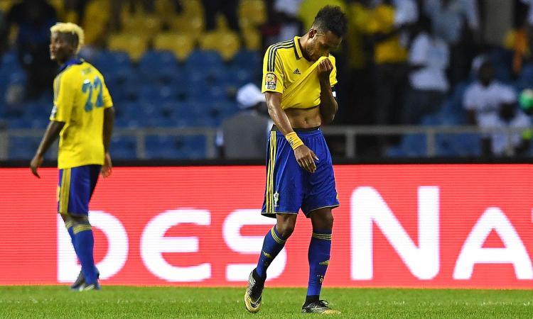 Gabon, Aubameyang denuncia: 'Il Marocco ci ha dato un succo avariato'. E Benatia lo prende in giro