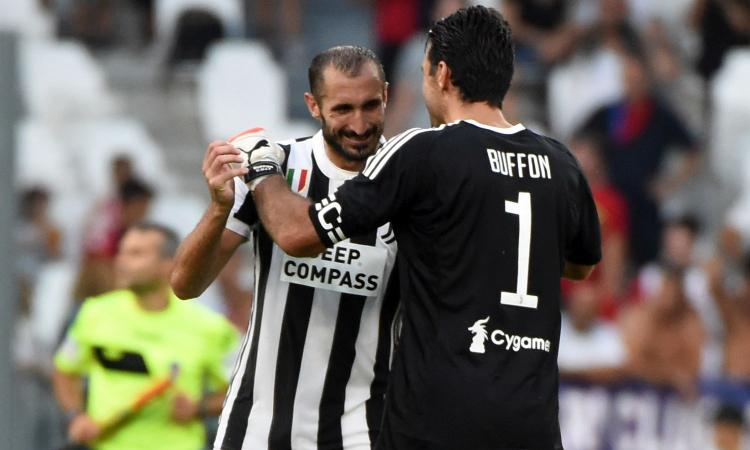 Juventus, Buffon su Chiellini: 'Sarà il nuovo capitano, è perfetto per il ruolo'