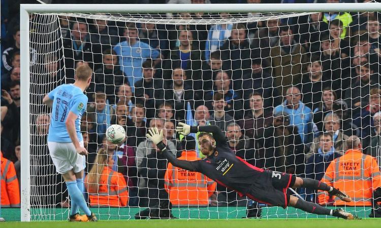 Coppa di Lega: Arsenal e City avanti col brivido, passano Man United e Leicester