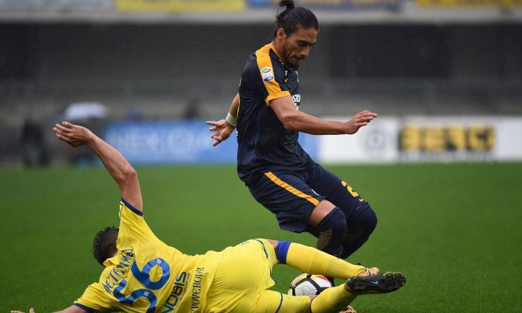 Caceres: 'Lazio? Felice se resto al Verona'