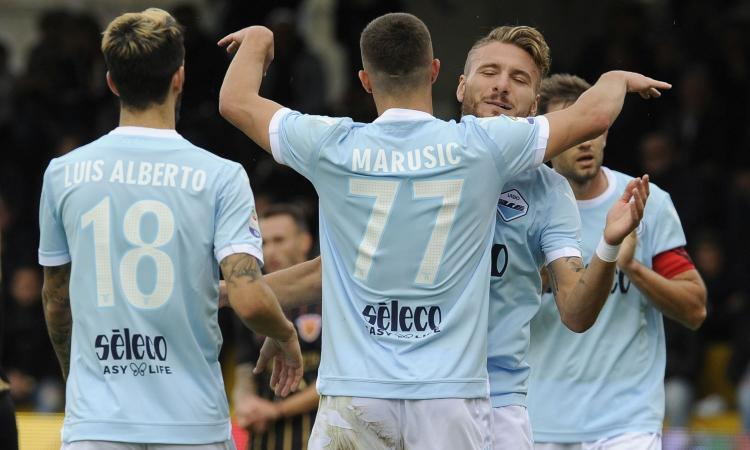 Serie A: manita Lazio, Napoli da solo in vetta. Poker Samp, cadono Fiorentina e Atalanta. Toro-Cagliari 2-1 con Belotti