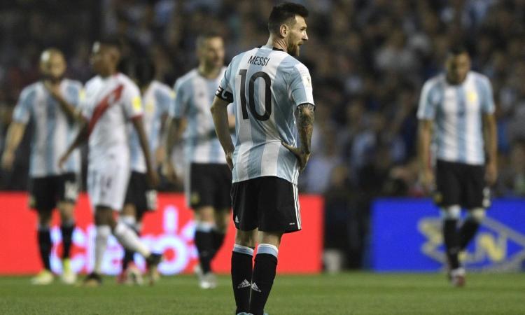 L'Argentina trema e delude: 0-0 col Perù, ma per il Mondiale è tutto aperto VIDEO
