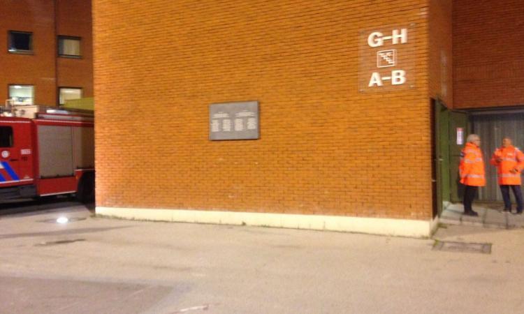 Stadio Bruxelles, rimossa la spazzatura sotto la targa commemorativa dell'Heysel... per la partita!