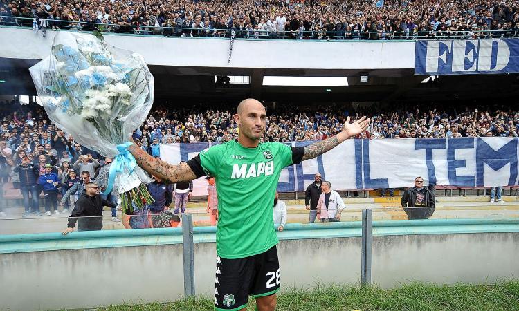 Napoli, i tifosi acclamano Cannavaro FOTO