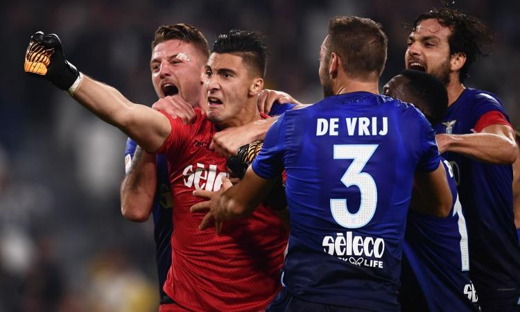 Lazio, Strakosha scherza con de Vrij: 'Sto provando a farlo rinnovare'