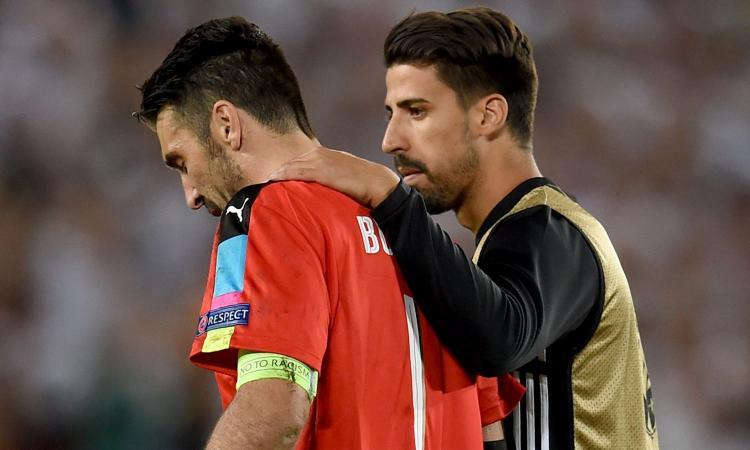 Juve, Khedira: 'Vedere Buffon piangere fa male, lo aiuteremo a vincere la Champions' VIDEO