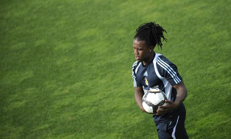 Drenthe: 'A Madrid uscivo la notte, una volta ho speso duemila euro per due ragazze! Ho lasciato il calcio perché...'
