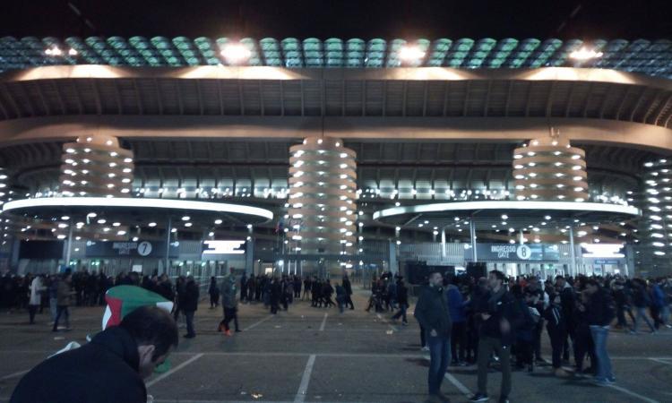 Italia-Svezia: fischi per Ventura e per l'inno svedese, Buffon applaude VIDEO
