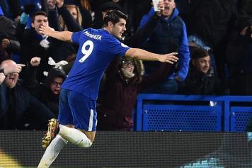 Morata Chelsea esulta