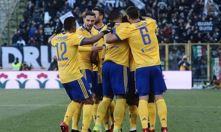 Juve, tris al Bologna: Napoli a un punto VIDEO