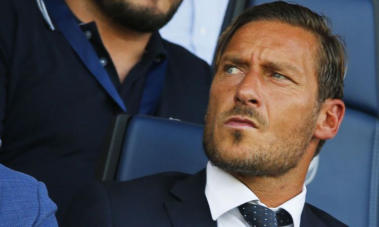 Roma, lunedì parla Totti. Tutti i retroscena sull'addio ai giallorossi