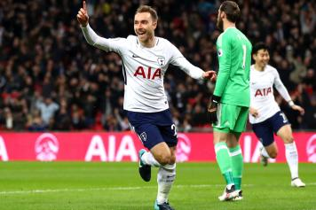 Eriksen Tottenham esultanza dito
