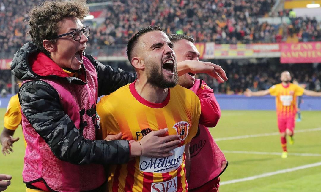Il Benevento debutta alla 'Scala del calcio'