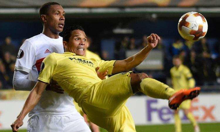 La Premier chiama Bacca, ma lui vuole il Villarreal: c'è un rischio per il Milan