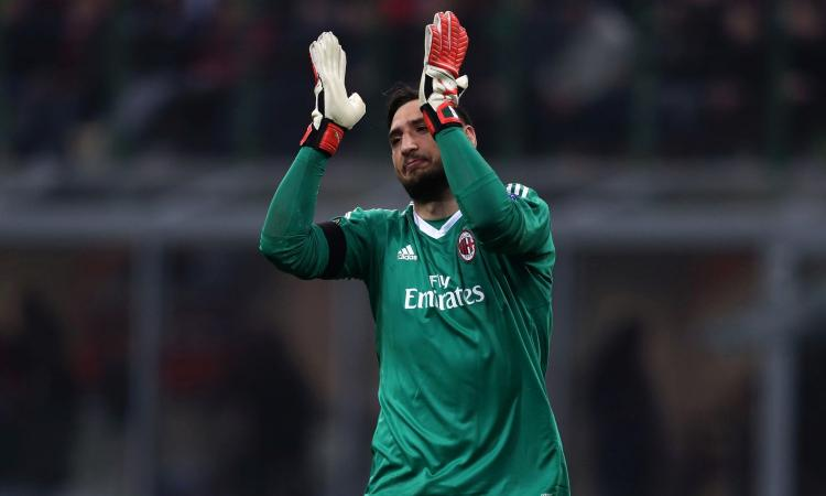 Donnarumma, la famiglia furiosa col Milan perché il club sapeva dello striscione