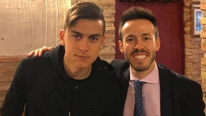 Juve, il Real pensa a Dybala. E lui vola a Madrid col fratello-agente FOTO