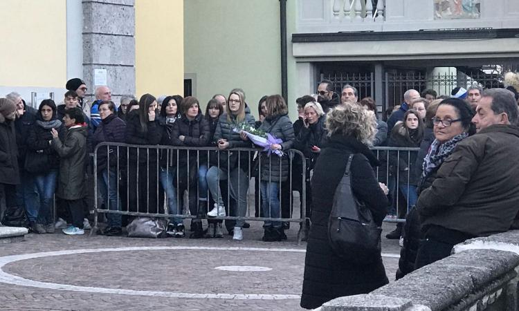 San Pellegrino dà l'addio ad Astori: le parole del sindaco e la veglia funebre