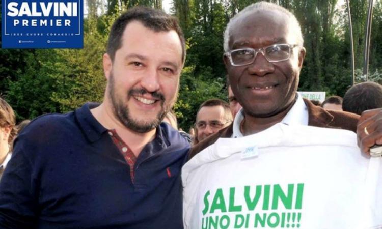 Balotelli contro il leghista Iwobi, primo senatore nero d'Italia: 'Vergogna, non si è accorto di che colore è?'