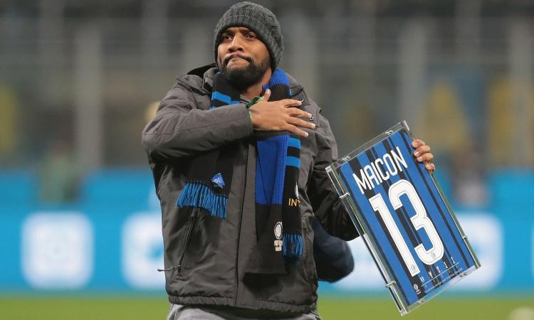 Maicon: 'Mourinho arrivò e ci consegnò un decalogo. Qualcuno non lo lesse e diciamo che...'