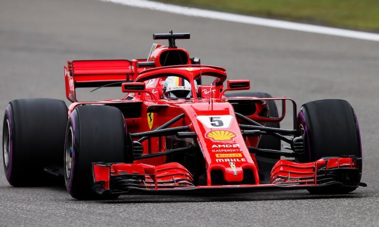 Formula 1: GP Cina, strepitosa pole di Vettel! Mercedes in netta difficoltà